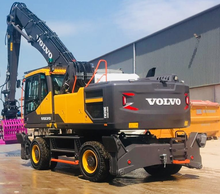 New Volvo EW 240E for EMS Waste Services